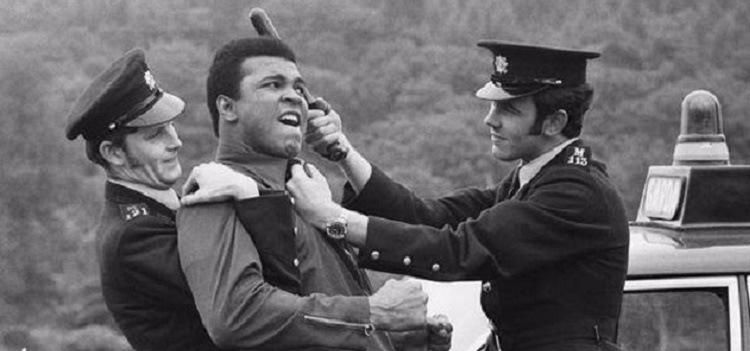 Muhammad Ali era militante dos direitos civis e foi preso por se recusar a lutar no Vietnã