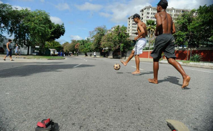 futebol-na-rua