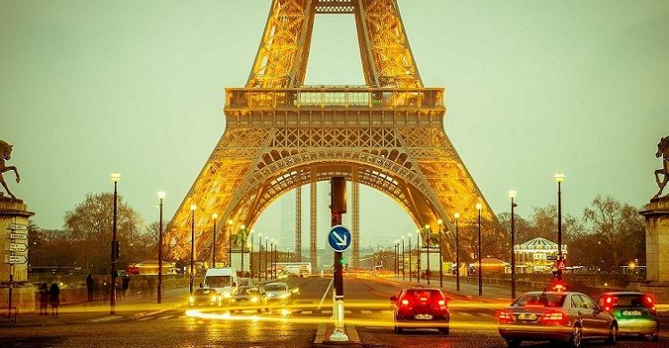 5 destinos que todo viciado em cinema deveria conhecer: Torre Eiffel Paris