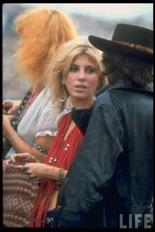 mulheres-woodstock-1969-15