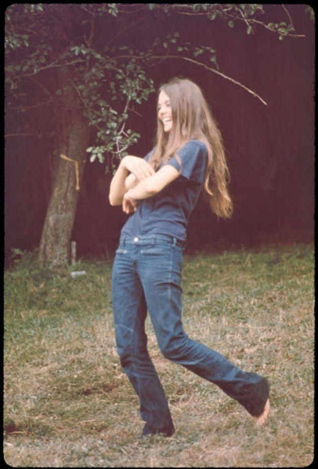 mulheres-woodstock-1969-4-25