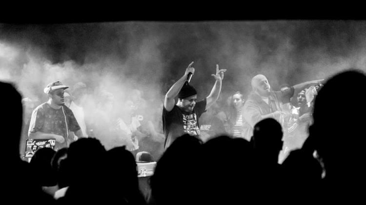 , Rodrigo Ogi lança o primeiro single do projeto Monstroario