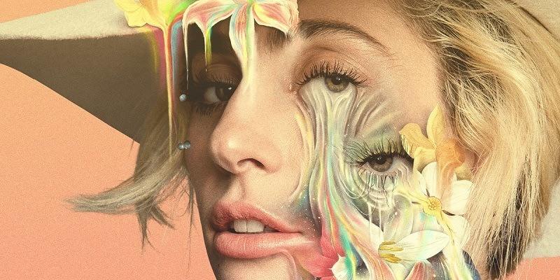 Capa Gaga: Five Foot Two